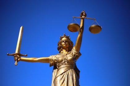 איך אפשר לתבוע עורך דין על רשלנות מקצועית?